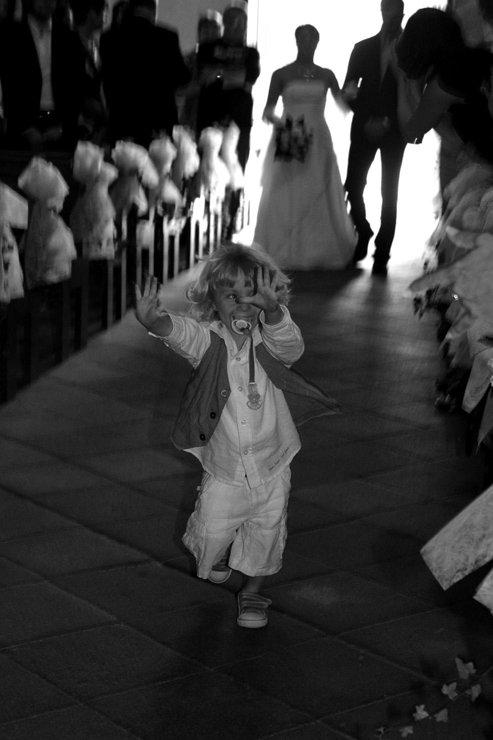 avancée dans l'église